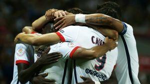 PSG juhlii Lucas Mouran maalia.