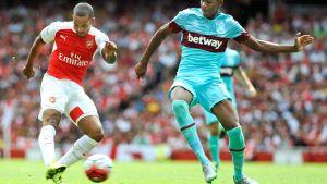 Reece Oxford (oik) oli yksi West Hamin sankareista ottelussa Arsenalia vastaan.