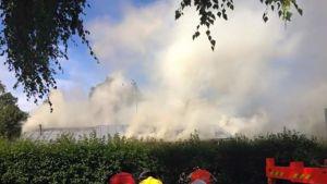 Tulipalopaikan tutkintaan osallistuvat sekä pelastuslaitos että poliisi. Palon syttymissyytä ei aina saada saada varmuudella selville, vaan se jää arvelujen varaan.