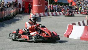 Kimi Räikkönen karting-radalla.