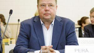 Pekka Perä Kainuun käräjäoikeuden istuntosalissa Kajaanissa.