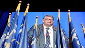 Perussuomalaisten puheenjohtaja Timo Soini näkyi videotaululla perussuomalaisten puoluekokouksessa Turun Logomossa.