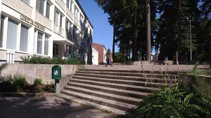Lohjan Yhteislyseon lukio on yksi Länsi-Uudenmaan kymmenestä lukiosta.