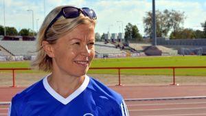 Triathlonisti Maija Oravamäki.