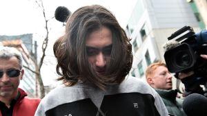 Australian poliisi on luopunut terrorismisyytteistä 18-vuotiasta teinipoikaa vastaan. Hänet on vapautettu takuita vastaan.