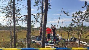 Malminetsintäyhtiö Mawsonin kevytkairauslaitetta huolletaan Natura-alueella Ylitorniolla 25.8.2015