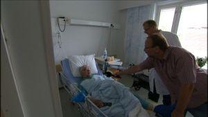 Rääkkyläläinen keuhkokuumepotilas Tenho Mikkonen on tyytyväinen Attendon lääkäripalveluihin.