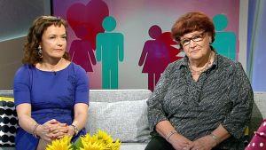 Seksuaaliterapeutti Leena Väisälä ja Naistentautien erikoislääkäri Pirkko Brusila Ylen Aamu-tv:ssä.