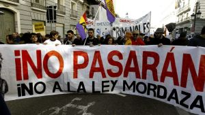 Mielenosoittajia Madridissa