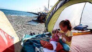 Pakolaisia Kosin saarella.