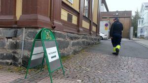 Oulussa kutsunnat pidettiin Kirkkotorin koulutuskeskuksessa.