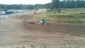 Yyterin moottorirata Porissa, motocrossia