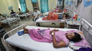 Denguekuumeesta kärsiviä potilaita Ram Manohar Lohia -sairaalassa, New Delhissä, Intiassa 16. syyskuuta.
