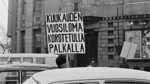 Metallityöväen lakko vuonna 1971, mielenosoitus.