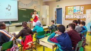 Oppilaita koulutunnilla