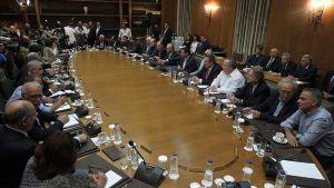 Kreikan hallitus kokoontui parlamentissa Ateenassa 25. syyskuuta 2015.