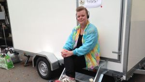 Pinja Kotialho on elokuva-avustajana Apulanta-elokuvassa