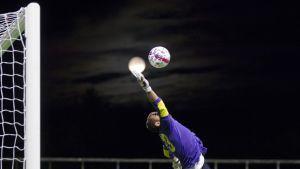 FC KTP:n maalivahti Alan Graig Hill.