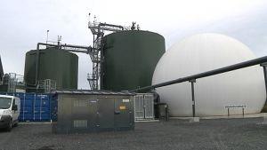Biokaasureaktorit ja varasto Oulun Ruskon jätekeskuksessa