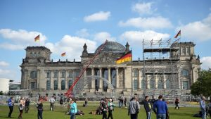Saksan yhdistymisjuhlan valmisteluja Berliinissä.