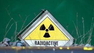 Radioactive -kyltti.