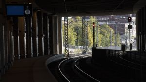 Raiteet Pasilan juna-asemalla.