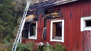 Yksi henkilö menehtyi rintamamiestalon palossa Mikkelin Suonsaaressa.