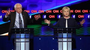 Vermontin senaattori Bernie Sandes ja entinen ulkoministeri Hillary Clinton ottivat yhteen demokraattien presidenttiehdokkaiden ensimmäisessä televisioväittelyssä Las Vegasissa 13. lokakuuta 2015.
