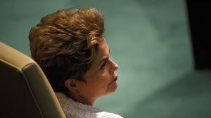 Sivuprofiilikuva Brasilian presidentti Dilma Rousseffista.