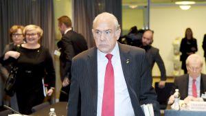 OECD:n pääsihteeri Angel Gurria OECD:n hallintoministerikokouksessa Helsingissä.