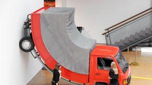 Erwin Wurmin taideteos on esillä Saksan Karlsruhessa.