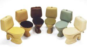Vielä 70-luvulla wc-istuimissa riitti värivalikoimaa.