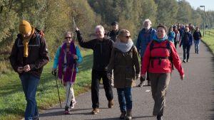 Urgenda on kutsunut ilmastonmuutoksesta huolestuneita kävelemään kohti Pariisia ilmastokokouksen alla.