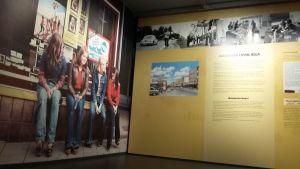 Kuvia kaupunginmuseon näyttelyssä