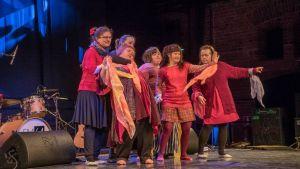 Kehitysvammaisia tanssijoita