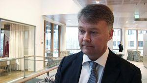 Tapani Mattila on valittu Keski-Suomen maakuntajohtajaksi. Hän aloittaa tehtävässään keväällä 2015, kun nykyinen maakuntajohtaja Anita Mikkonen jää eläkkeelle.