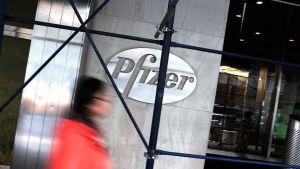 Lääkeyhtiö Pfizerin pääkonttori New Yorkissa.