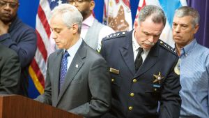 Chicagon pormestari Rahm Emanuel ja poliisipäällikkö Garry McCarthy