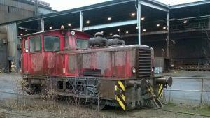 Koverharin terästehtaan purkuhuutokaupassa on myytävänä muun muassa veturi.