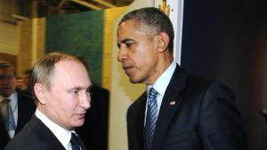 Venäjän presidentti Vladimir Putin ja Yhdysvaltain presidentti Barack Obama tapasivat Pariisin ilmastokokouksen yhteydessä 30. marraskuuta.