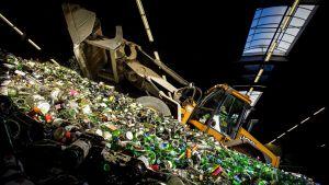 Lasin kierrätystä Gamerenissa, Hollannissa, tammikuussa 2015.