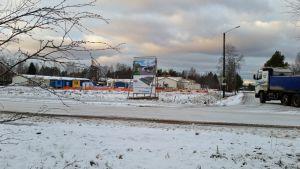 Rivitalon rakennustyömaa Pyhäjoen kirkonkylällä joulukuun alussa 2015.