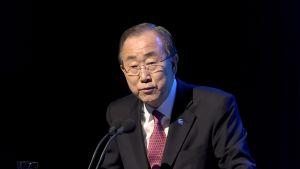 Ban Ki-Moon puhumassa