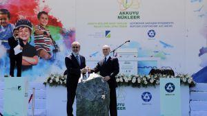 Turkin energiaministeri Taner Yıldız ja Rosatomin pääjohtaja Sergei Kirijenko