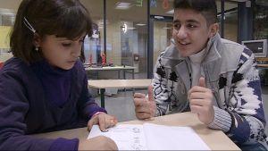 Irakilaislapset koulutunnilla