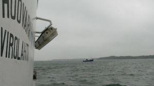 kaksi troolaria Saaristomerellä