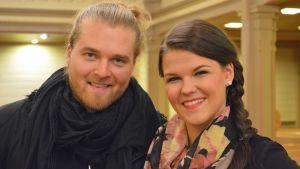 Teemu Roivainen ja Saara Aalto.
