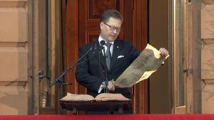 Joulurauhan julistuksen luki Turun kaupungin protokollapäällikkö Mika Akkanen.