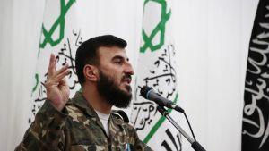 Kapinallisjohtaja Zahran Alloush valokuvattuna kesäkuussa 2014.