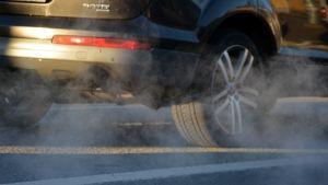Auto, pölyä, renkaat